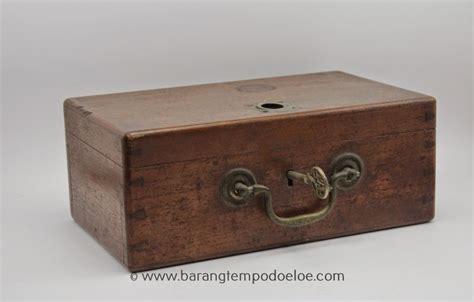barang tempo doeloe kotak kayu antik box