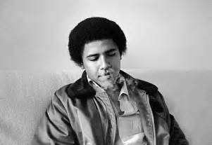 Photos of a young obama just chillin maaaan rok the