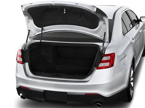 ford taurus ltd fwd image 2016 ford taurus 4 door sedan limited fwd trunk