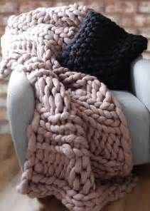 25 best ideas about chunky knit blankets on pinterest chunky knitting wool knit blankets and