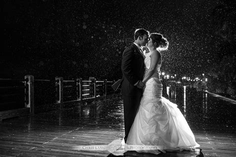 Best Wedding Pictures Of And Groom by Nighttime Wedding Photography Low Light Wedding
