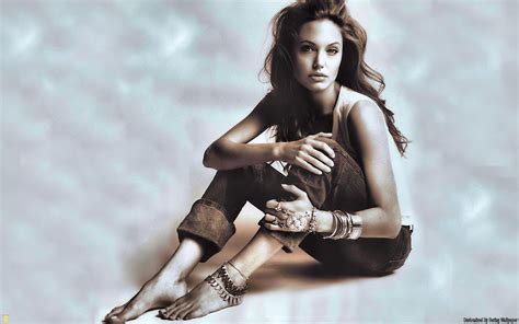 angelina jolie tattoo wallpaper angelina jolie tattoo girl wallpaper girls wallpaper