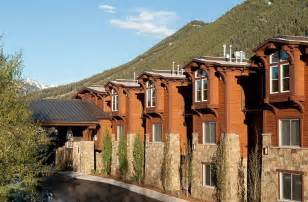 jackson wy hotels book the wyoming inn of jackson in jackson hotels
