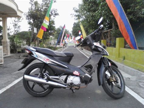 Honda Supra Fit 2004 Hitam modifikasi motor honda new supra fit otomotif