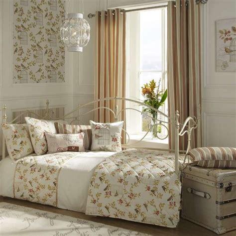cuscini stile shabby da letto shabby shic foto 18 60 design mag