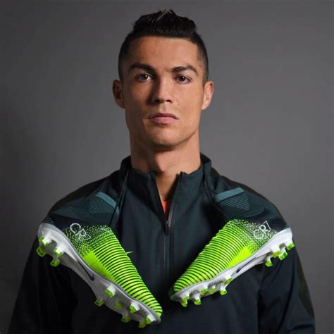 cristiano ronaldo biography spanish cristiano ronaldo salary biography height age family