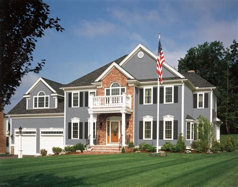 Which Is Better Hardie Or Monogram Vinyl - 236 best images about home exteriors and porches on