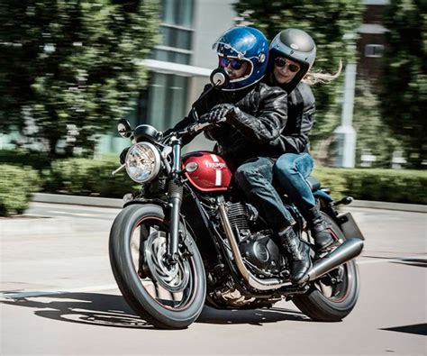 Motorcycle Dealers Oxfordshire by New And Used Triumph Motorcycle Dealers Oxfordshire Uk