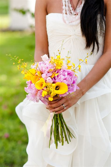 modern pink  yellow wedding ideas   detail