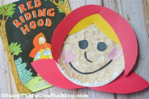 Wolf Paper Plate Craft - paper plate kid craft glued to