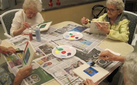 craft projects for senior citizens ideas for alzheimers weekly field trips simple