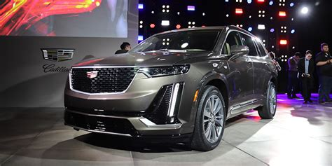 Cadillac Escalade 2020 Auto Show by 2019 Detroit Auto Show 2020 Cadillac Xt6 Offers Three Row