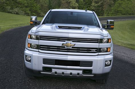 new chevrolet 2017 silverado hd gets new diesel engine new colors and