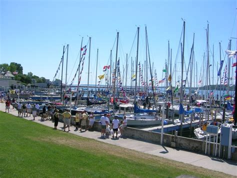 boats to mackinac island port huron to mackinac boat race wikipedia