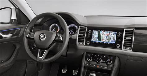 skoda kodiaq interior skoda kodiaq interior revealed features glass design