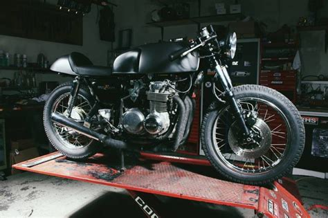 Motorrad Cafe Racer Umbau Tüv by Custom Bikes Motorcycles Moto Incendio Custom