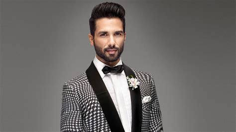Shahid Kapoor New Hairstyle by Actor Shahid Kapoor With New Hair Style Photo Hd Wallpapers