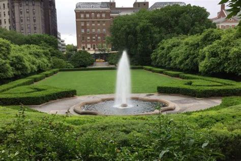 Central Park Botanical Garden S Bergen Garden Garden Destinations Magazine