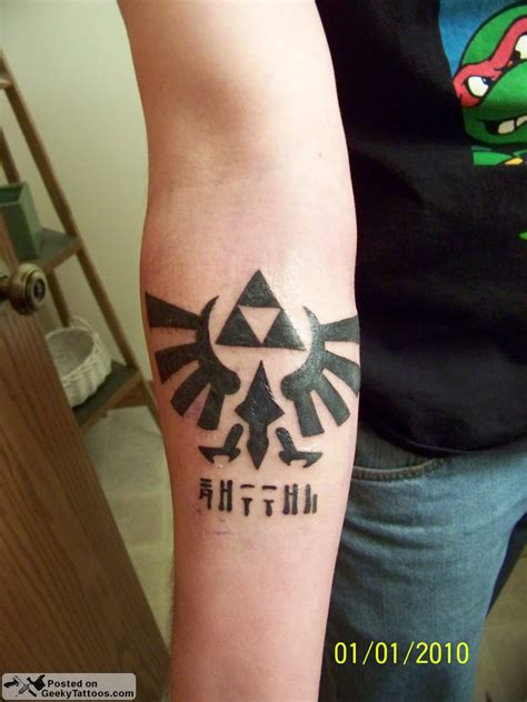triforce tatoo tattoo zelda hyrule