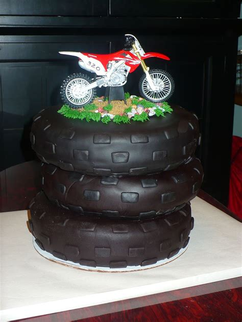 motocross bike cake dirt bike cake wwwtwistedsistercakescom cakes