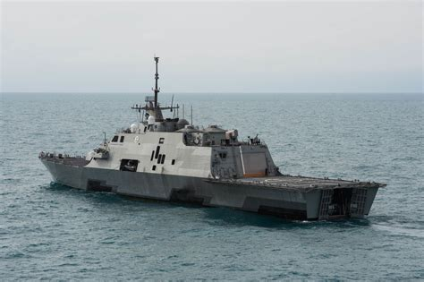 types of boats in the us navy lcs navy frigate
