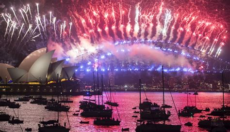 new year celebrations melbourne 2018 australia welcomes in 2018 in dazzling style with minor