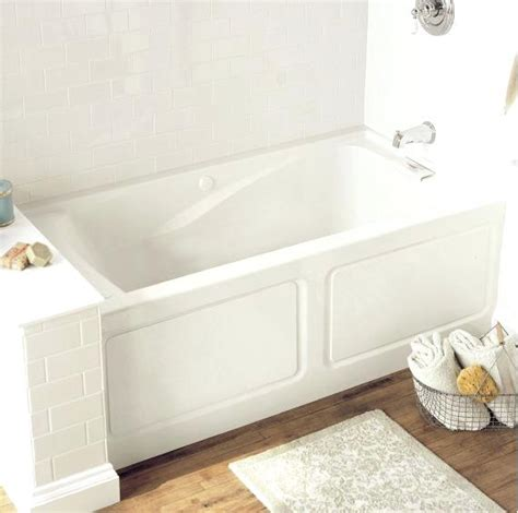 bathtubs for small spaces bathtubs and showers for small spaces