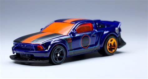 Wheels Hotwheels 2005 Ford Mustang Biru 2005 ford mustang wheels wiki fandom powered by wikia