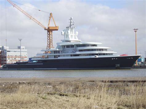 jacht russische miljardair russische miljardair moet superjacht van 400 miljoen euro