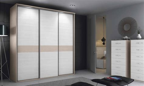 dormitorios de matrimonio con armario armario de dormitorio matrimonio moderno a 12 nm125
