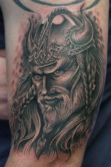 imagenes de tatuajes de vikingos tatuajes de guerreros vikingos muy poderosos