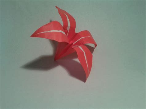 How To Make A Simple Paper Flower - origami how to make an easy origami flower origami