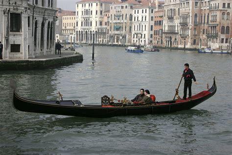 gondola and boat gondola wiktionary