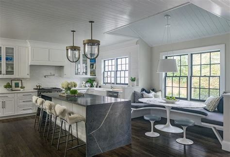 Kitchen with U Shaped Dining Banqeutte   Transitional