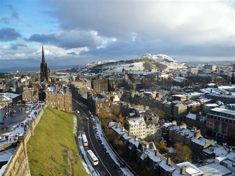 a view from the file view of edinburgh from the palace block of edinburgh castle jpg wikimedia commons