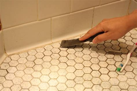 how to remove bathroom sealant from tiles learn how to re caulk your bathroom how tos diy