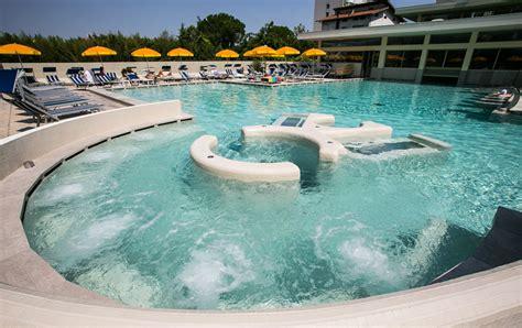 piscine termali abano ingresso giornaliero hotel abano foto gallery piscine vacanza alle terme
