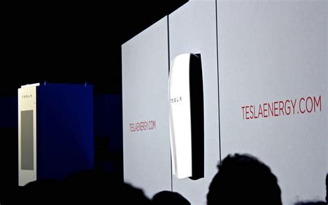 analysts and energy experts weigh in on tesla s powerwall