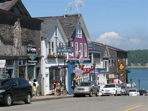top restaurants in bar harbor maine 20 friendliest small towns in america