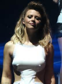 kimberley walsh suffers wardrobe malfunction on stage at