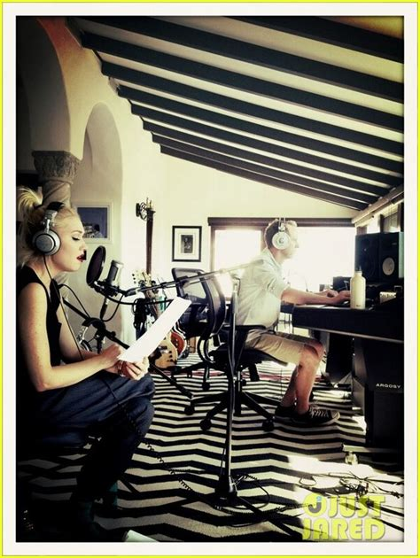 No Doubt Back In The Studio gwen stefani at the studio with no doubt photo 2829963