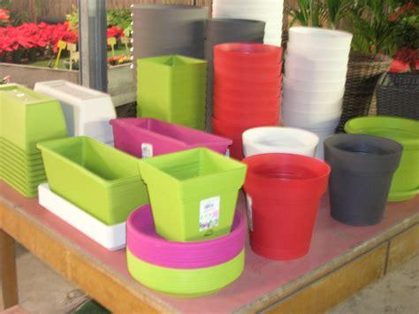 vasi in plastica colorati vaserie plastica vaserie cotto cesterie
