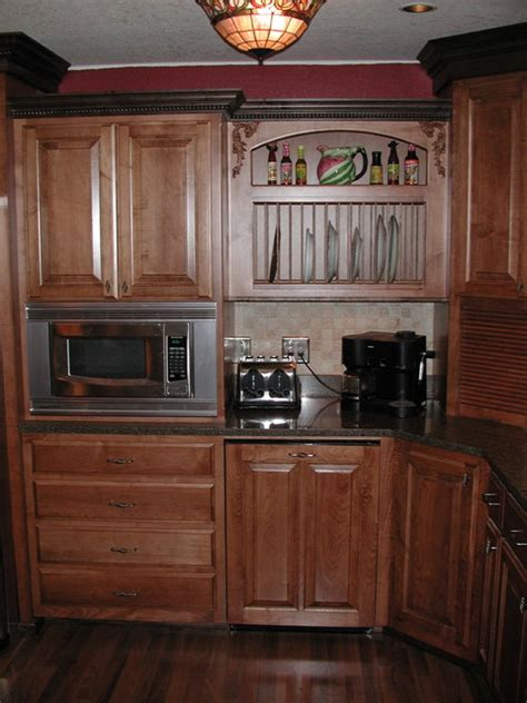 Staining Kitchen Cabinets Darker Before And After by Maple Stained Cabinets With A Darker Crown Molding