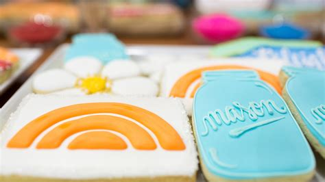 How To Decorate Sugar Cookies Like A Pro by How To Decorate Sugar Cookies Like A Pro