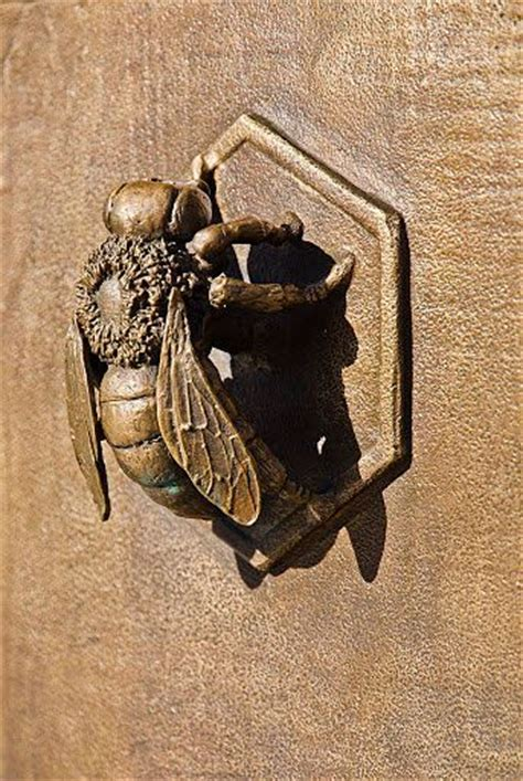 Bee Door Knocker by Bee Gate Knock Knock Bees Door Knockers And Gates