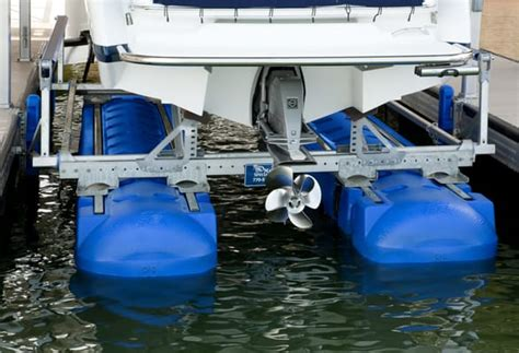 boat lift us hydrohoist boat lifts closed boating 4065 e us hwy