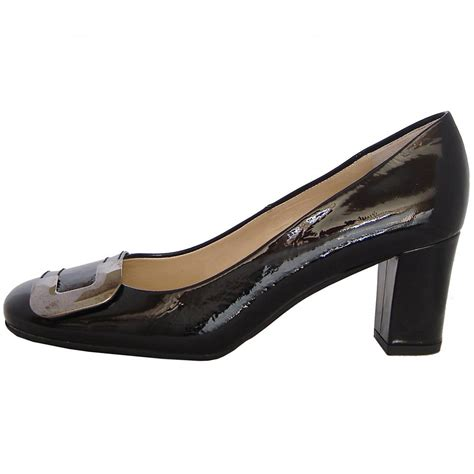 kaiser patty modern court shoes in black patent