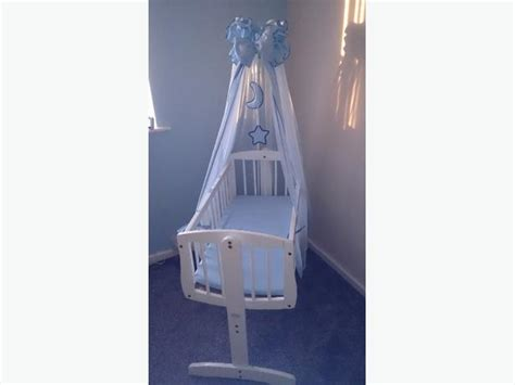 swinging cribs with drapes white swinging crib with blue drapes dudley sandwell