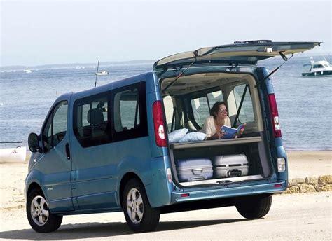 renault minivan renault trafic minivan mpv 2006 2011 reviews