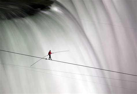 tight rope the american tightrope walker nick vallenda went